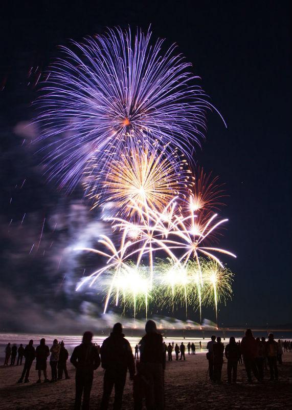 Ocean-Isle-Beach-Fireworks-on-July-4th